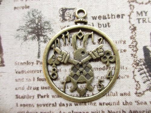 画像1: チャーム/うさぎの懐中時計/真鍮古美 (1)