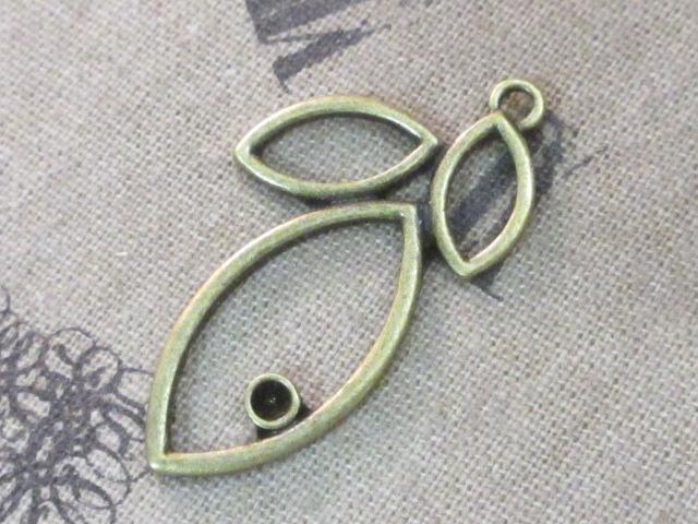 画像1: チャーム/オープン・リーフ/真鍮古美 (1)
