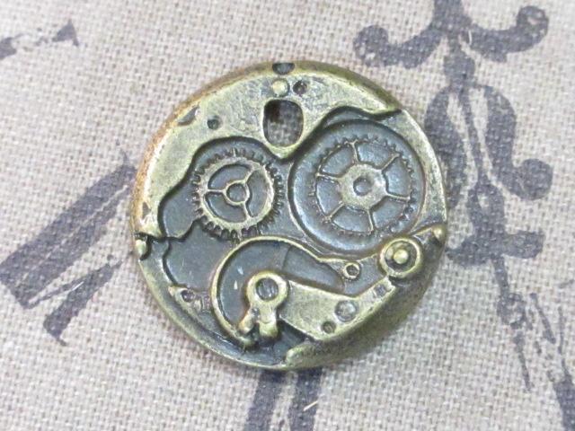 画像1: チャーム/機械時計の中/真鍮古美 (1)